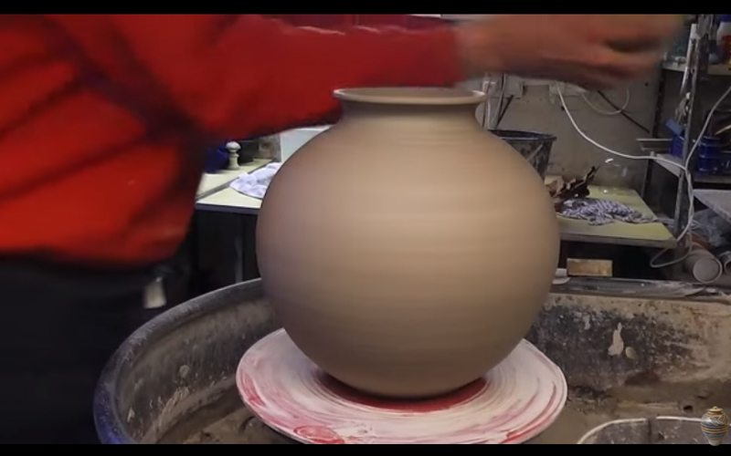 pottery decoration techniques